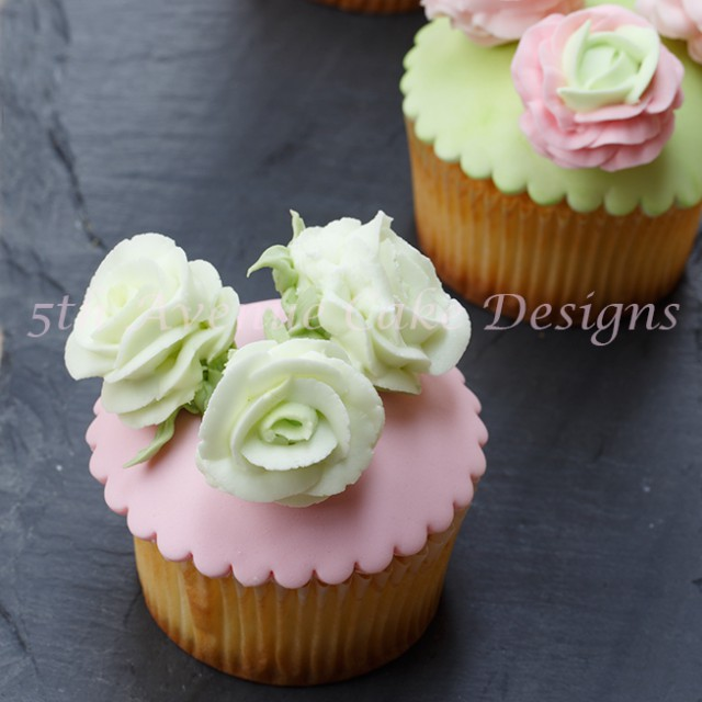 Royal Icing Ranunculus and Roses Tutorial