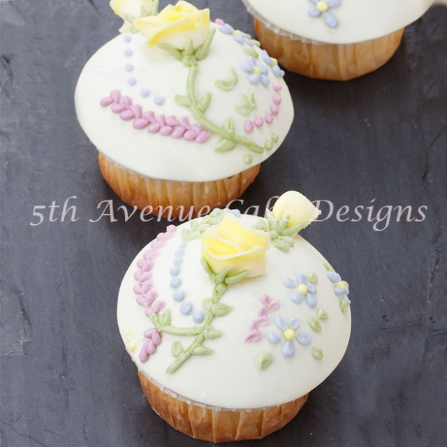 Summer Piped Royal Icing Roses and Flowers