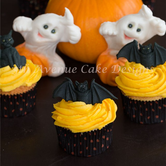 Too Cute Buttercream Halloween Cupcakes