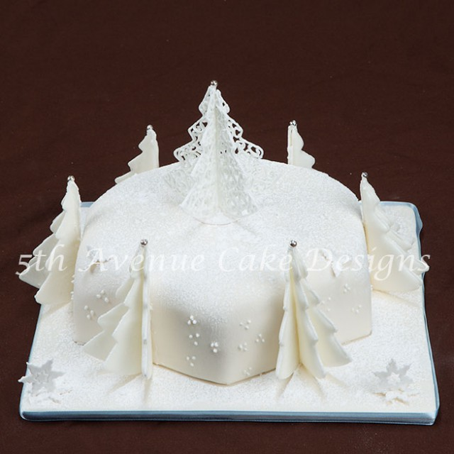 Filigree Inspired Colorado Christmas Cake
