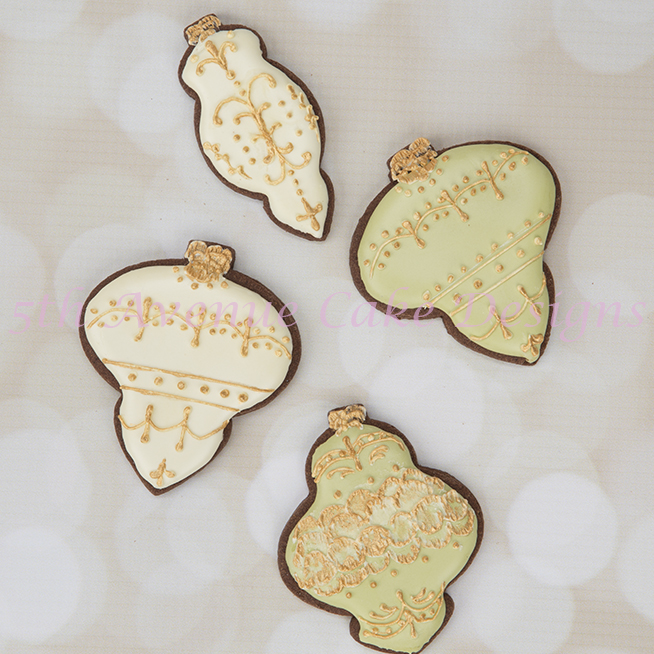 How to Decorate Delicate Ornament Cookies