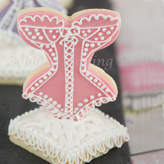 royal icing string work and piping tutorial