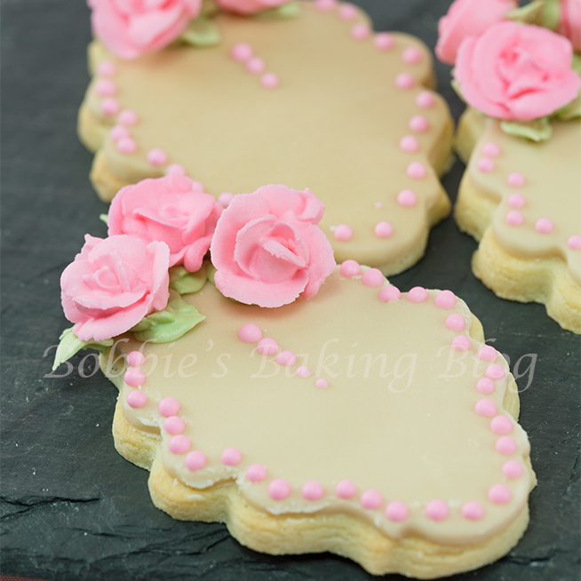 royal icing piped roses how to to sugar paste roses tutorial how to