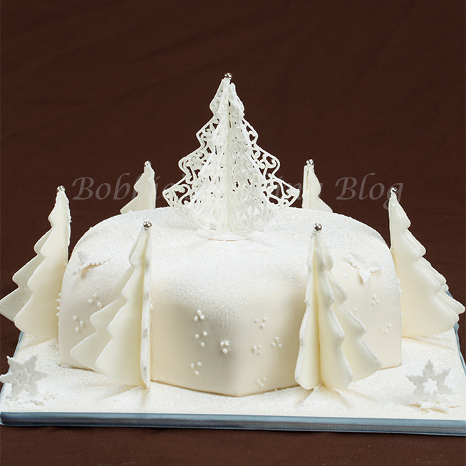 Colorado wonderland cake video bobbies baking blog for Iced christmas cakes