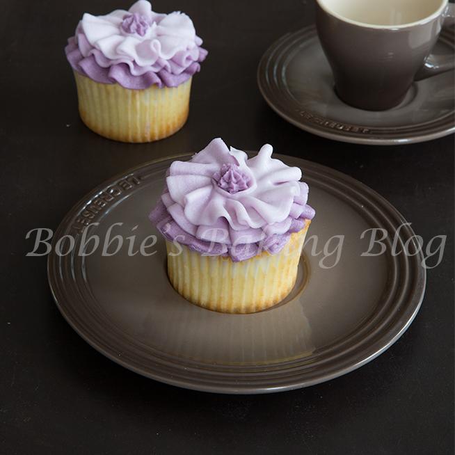 how to pipe buttercream fashion inspiration ruffle cupcakes