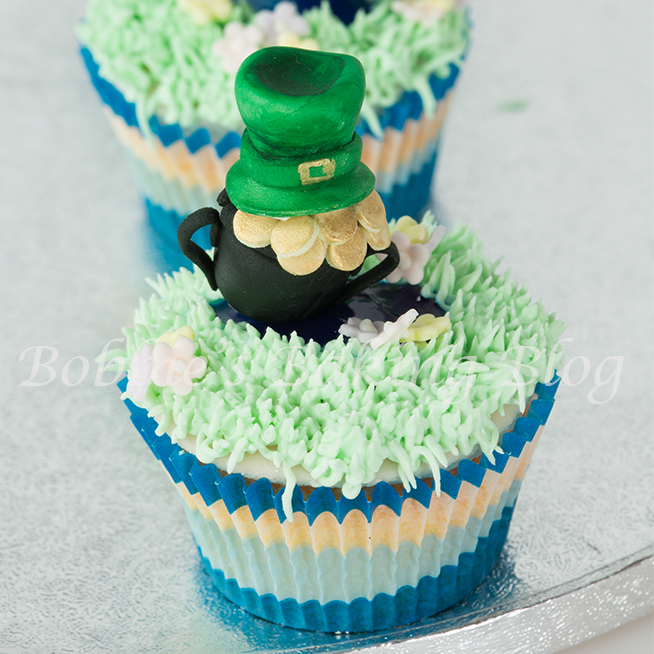 how to make modeling chocolate pot of gold and hat