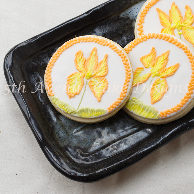 learn to royal icing two tone brush embroidery flower