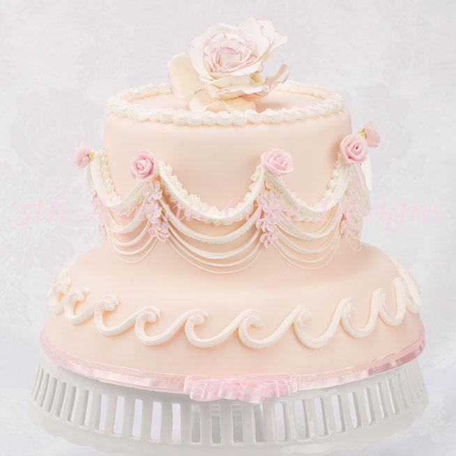 Lambeth method cake by Bobbie Noto