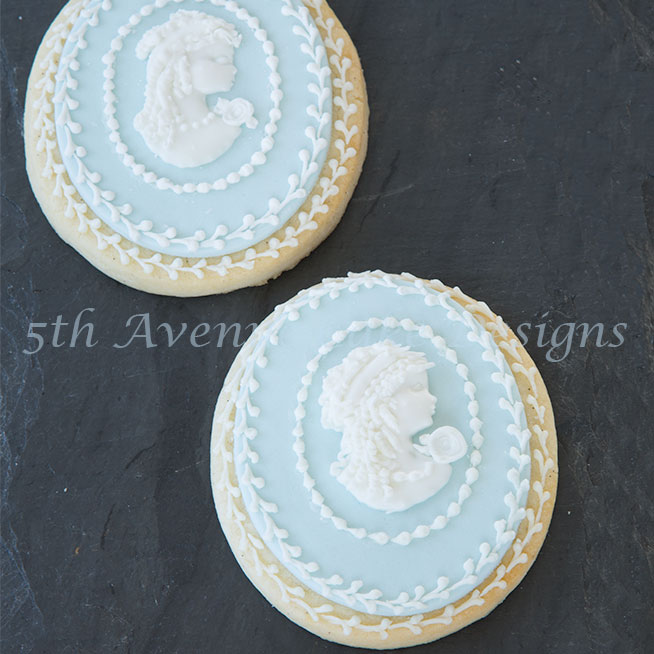 Royal Icing Cameo Cookie by Bobbie Noto